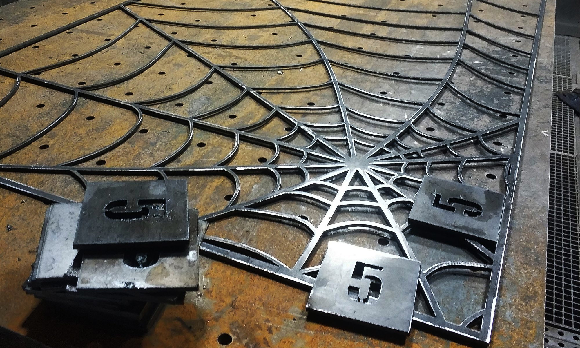 cięcie plazmą cnc industrialny design loft style